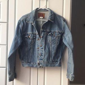 Levi's jean jacket size small